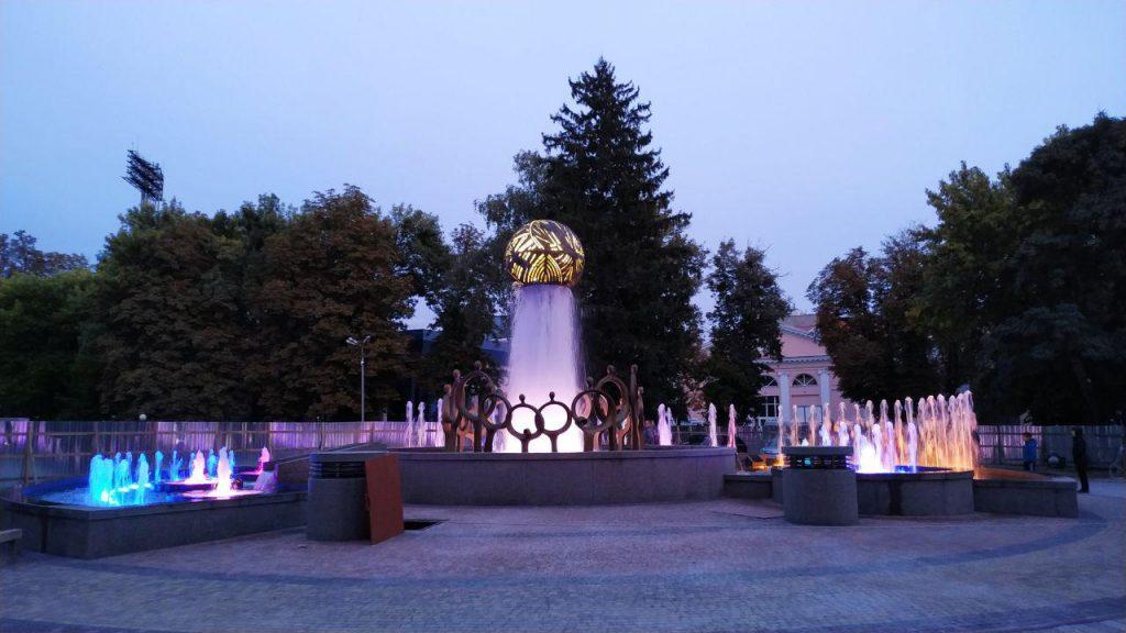 Сумнозвісний фонтан за мільйон у парку Незалежності